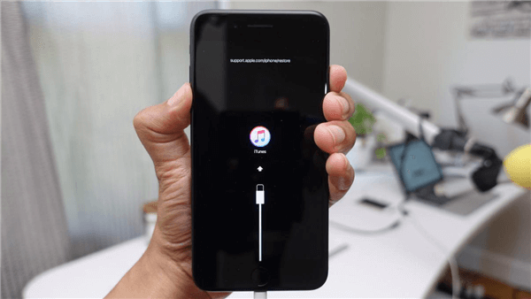 Put Your iPhone to Recovery Mode