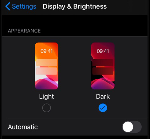 Turn on the dark mode in iOS 13 from Settings