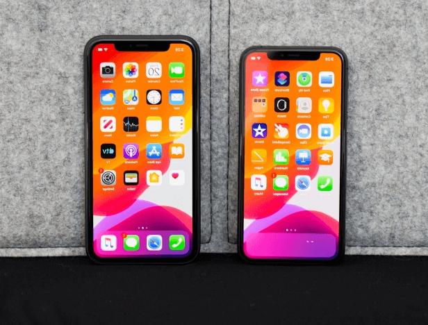L'iPhone 11 (à droite) et 11 Pro
