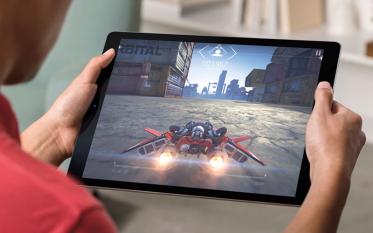 iPad Proを買うべき理由-ディスプレイが大きくても薄くて軽い